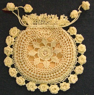 Irish Crochet Bag Free Pattern : Ravelry: Rings and Roses Irish Crochet Purse pattern by ...