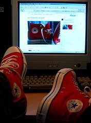 I think I need a blue pair now (edwardjackman) Tags: red sweet converse allstar chucks bargain putyourfeetup kickingback flickrsoupforthecommoncold imsickbutmyshoesarepretty