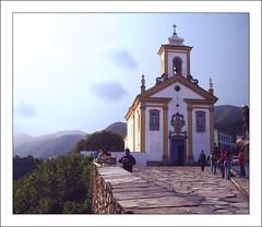 Igreja e Cu (Mrio Felipe) Tags: ouro preto estrada real igreja