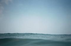 R001-011 (油姬) Tags: 2005 life summer film beach nature lomo scenery toycamera taiwan negative summertime waterproof 白沙灣 135film 潛水小黃 天天白沙灣