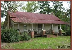 Old Log Home in New Lois, Georgia (Old Shoe Woman) Tags: usa georgia southgeorgia mrweaver home oldhomeplace weaverfamilyhome dilosep05 dilosept05