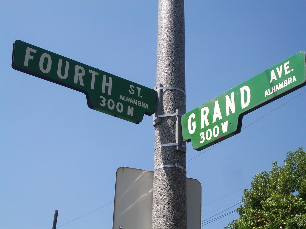 intersection of 4th and grand st.