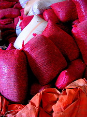 cabe lombok (Farl) Tags: cabe lombok pepper sack bag tarp tarpaulin polyethylene colors red orange white surabaya java indonesia pink