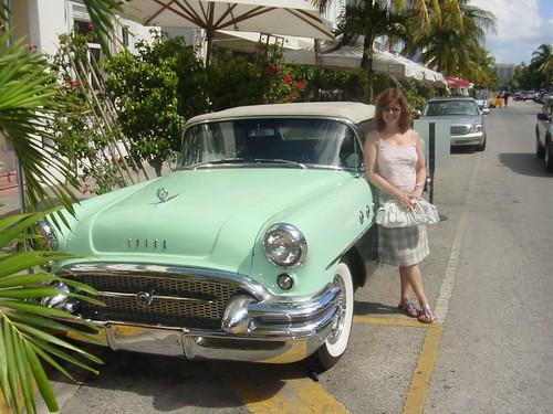 Classic car.....classic pose !!