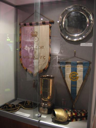 arsenal arsenalstadium highbury football soccer stadium museum trophy pennant cabinet