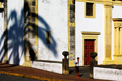 (stereoleo) Tags: olinda s pernambuco brasil everydaypeople shadows photowalk saveme deleteme10