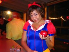 Snow White (DiddyOh) Tags: girls halloween catchycolors costume orlando florida explore fl snowwhite gena sydusa
