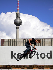 BMX (eneko123) Tags: 2005 leica sky cloud berlin tower germany deutschland lumix fly jump bmx torre hauptstadt himmel wolke exhibition panasonic cielo alemania fernsehturm turm schlossplatz nube dmc fx7 eneko zerua eneko123 hodei dorre