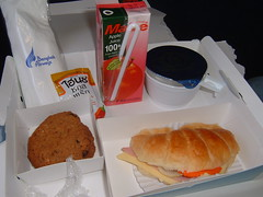Bangkok Airways Breakfast (Danburg Murmur) Tags: food airline croissant airborne applejuice airlinefood bangkokairways