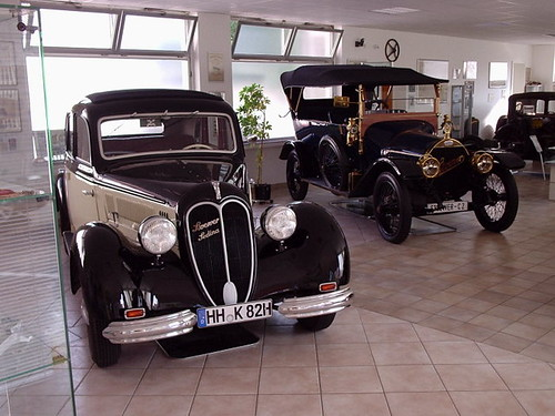 Bugatti Veyron vs Viper Image Amseek search