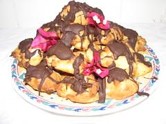 croquembouche (GeoWombats) Tags: 2005 november cake choux croquembouche