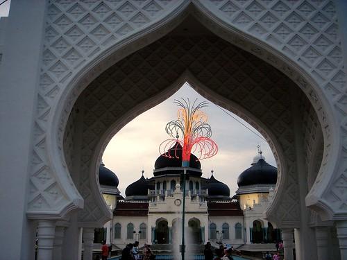 Baitur Rahman Mosque_Dec 17 2005