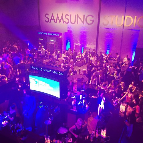 Another great night at the Samsung Studio! #bartenders #servers #staffing #TheFoodMatters #EventEleven #eventfam #eventlife #samsung #girlboss #hollywood #e3 #models #200ProofLA #200Proof