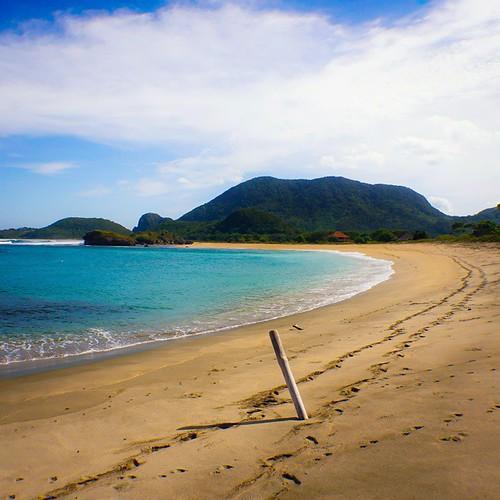 Sekongkang Beach   Taliwang West Sumbawa  The Beauty Of Sumbawa Island #indonesia #u_phy #infotourismindo #switcheyesnap #instanusantara  @instanusantara @infotourismindo #indonesia_photography @indonesia_photography #HDR #hdr_flair #sony #sonymirrorless