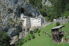 slovenia (Jonathan Retico) Tags: castle slovenia slovenija grad castello slovenian predjama lueg hhlenburg