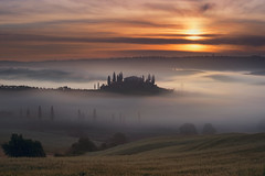 Tuscan Dawn (Lee Sie) Tags: sunset italy house mist fog clouds sunrise landscape europe tuscany villa