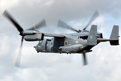 Osprey (Bernie Condon) Tags: tattoo flying display aircraft aviation military transport cargo assault airshow usaf osprey warplane ffd fairford specialforces riat tiltrotor 2015 raffairford airtattoo cv22 vstol riat15