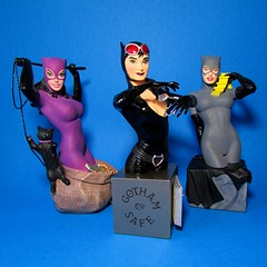 Catwomen of the DC Universe (AaronMalibu) Tags: statue bust figure adamhughes dccomics catwoman amandaconner dcuniverse dcdirect terrydodson selinakyle womenofthedcuniverse