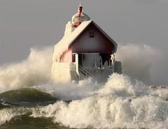 _DSC1539 (2) (John Rothwell) Tags: grandhaven holland michigan lake lakemichigan waves gust gale winter nature december lighthouse