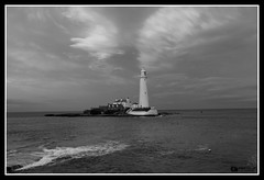 St. Mary's Lighthouse (Zubair Yousaf) Tags: zubair zubairyousaf wwwzubairyousafweeblycom yousafzubair city moving beautiful big nikon nature north art pakistan setup d5200 fly light holiday subject sky lens lenses photos photography portfolio professional work portobello multiple tyne water sea last 2016 sunset st marys lighthouse