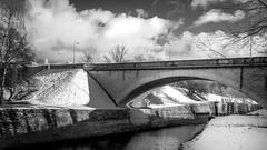 Pont de Sault-Brenaz (01) (chapuis_sophie) Tags: france concepts fleuve rhône nuages noiretblanc natureetfaune pont bw pays 2017 ain pontdesaultbrenaz isère hiver soleil coursdeau janvier rhonealpes saultbrenaz neige sun watercourse winter ateliers projet21