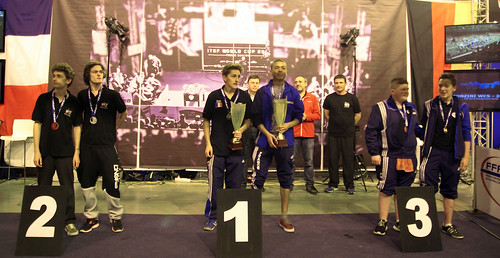 podium_double_junior