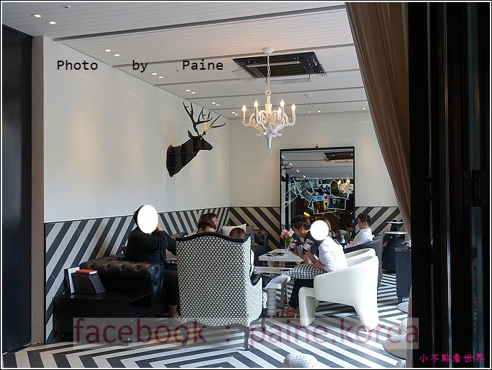 江南221B in Seoul coffee lounge (18).JPG