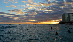 The Sky's the Limit (jcc55883) Tags: ocean sunset sky clouds hawaii nikon waikiki oahu horizon pacificocean honolulu nikond3200 d3200 kuhiobeachpark