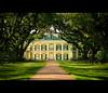 Oak Alley Plantation (Jérôme Castilloux) Tags: trees house river mississippi landscape nikon louisiana 85mm landmark historic plantation nikkor f18 d3 oakalley vacherie plainjoe isayx3