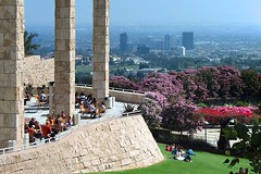 Getty Center: the Lawn (AntyDiluvian) Tags: california art museum architecture garden la losangeles cafe view terrace columns lawn architect getty artmuseum gettymuseum richardmeier gettycenter
