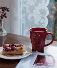 chillin' (=Mirjam=) Tags: nikond750 tea cake sunday afternoon reading magazine home cozy winter december 2016