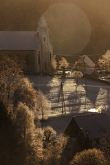 un matin hivernal (mrieffly) Tags: vosgesalsace htrhin geishouse canoneos50d 100400issériel hiver2016 neige leverdujour flare givre