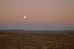 Cuno Hoffmeister Gedächtnissternwarte - Modaufgang + Erdschatten (astroaxel) Tags: namibia windhoek cuno hoffmeister gedächtnissternwarte sternwarte mondaufgang erdschatten