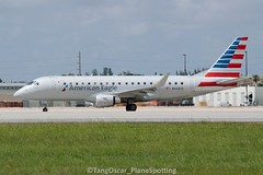 DSC_0742_1088 (thokaty) Tags: kmia miamiinternationalairport americanairlines republicairways americaneagle embraer regionaljet ejet e175 erj175 e175lr erj175lr n443yx eis2014