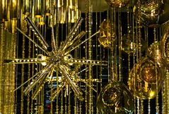 Moon Glow (Gary Burke.) Tags: lamp chandelier moonglow brass yellow storewindow holidaydisplay bloomingdales bloomies christmas holiday window display store lexingtonavenue 59thstreet manhattan nyc decoration ny newyorkcity newyork storefront midtown xmas garyburke city canon eos 70d dslr klingon65 gothamist departmentstore shopping canoneos70d nycdetails iloveny nycchristmas nychristmas ilovenewyork nyctravel tourism christmasinnewyork seasonal merrychristmas touristattraction ilovenyc newyorklife citylife cityliving travel windows iheartnewyork fb urban gold christmas2016 abstract