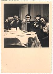 New Year's Eve 1936/37 (Fremdwortlexikon) Tags: blackandwhite schwarzweis monochrome people foundphoto indoor table tisch menschen friends couples couple bw 1936 sylvester newyearseve