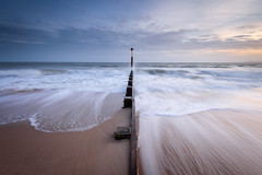 Whoosh! (Stu Meech) Tags: boscombe beach sunset groyne sea woosh waves stu meech nikon d750 leefilters grad