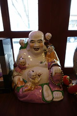 Buddha statue @ Chez Yong @ Paris (*_*) Tags: paris france europe city december 2016 winter cold saturday newyearseve chezyong chinese restaurant food china 75013 paris13 asian