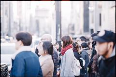 Waiting for a signal (Harajuku, Tokyo) (xperiane (Extremely busy)) Tags: pentaxlx samyang85mmf14 kodak ultramax400 harajuku tokyo japan 原宿 フィルム film v850 epson gtx980