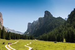 Entrance Vallunga (stefanromen) Tags: grden mountains alps nature landscape natur berge alpen landschaft dolomites dolomiti alpe sdtirol altoadige southtyrol valgardena dolomiten langental vallunga