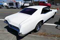 1966 Buick Riviera GS (bballchico) Tags: 1966 buick riviera bobgarcia wendygarcia gs jubileedaysshowshine patronscarshow patronsccseattle 206 washingtonstate patrons car club seattle