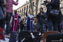 2017_01_05_Acció manteros día de reyes_Bru Aguiló (3) (Fotomovimiento) Tags: fotomovimiento solidaritatmantera araiaquí sindicatopopulardevendedoresambulantes barcelona catalunya catalonia cataluña manifestación manifestació lasramblas reyesmagos racismo