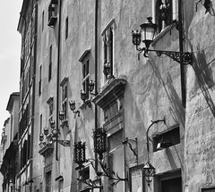 """Roma, fachadas • <a style=""""font-size:0.8em;"""" href=""""http://www.flickr.com/photos/15452905@N02/31922267760/"""" target=""""_blank"""">View on Flickr</a>"""