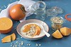 Joghurt mit Kaki (Frau Holle2011) Tags: foodfotografie joghurt müsli sharonfrucht kaki obst gesund vitamine frühstück orange türkis schale food selfmade