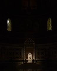 misticismo (daniele ideale costanzo) Tags: sangiovanniinlaterano papa basilica laterano sedia luce trono cosmatesco ombra colore