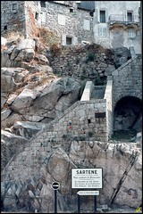 Coup d'oeil dans le Rétro !! :( (GK Sens-Yonne) Tags: corse escaliers citadelle sartène îledebeauté