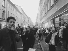 Andra långgatan. (xibalbax) Tags: street people iphone