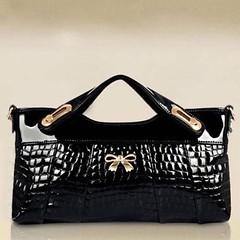 กระเป๋าคลัช แฟชั่นเกาหลี ด้านในมี3ช่อง ถือสวยหรูมีสายโยาวถอดได้ใช้ออกงาน นำเข้า สีดำ - พร้อมส่งIS1015 ราคา880บาท กระเป๋าคลัชถือ อินเทรนด์ใหม่มีสะพายข้างยาวแบบถอดออกได้สไตล์เก๋ แบบกระเป๋าสวยหรูหราไฮโซ ดีไซน์เก๋แบบหนังสังเคราะห์แบรนด์เนมอินเทรนด์มากๆ จะถือเ
