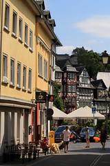 Sommer in Wetzlar (Maximilian Kau) Tags: city summer canon germany deutschland eos hessen sommer architektur gebude wetzlar gasse fachwerk fachwerkhaus 2015 fachwerkhuser strase ldk 650d lahndillkreis