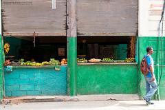 Dragones street (Javier Redondo) Tags: street viaje man shop fruit america canon eos calle havana cuba streetphotography fruta tienda stm efs hombre viajar lahabana 18135 70d 18135mm canoneos70d eos70d efs18135mmisstm